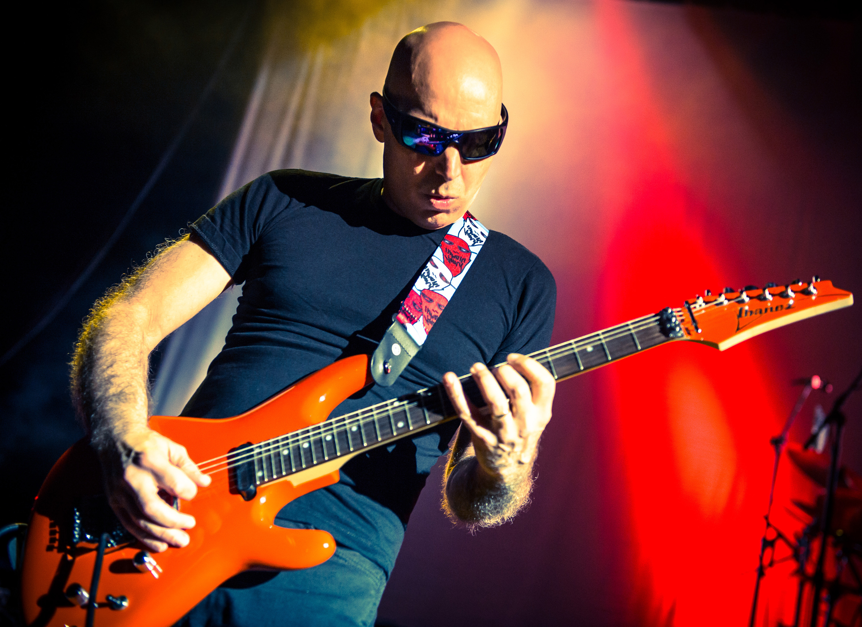 joe satriani shockwave supernova 15th studio album bluesdoodles. Black Bedroom Furniture Sets. Home Design Ideas
